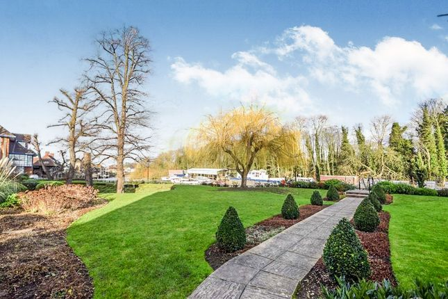 Thumbnail Detached house for sale in Herons Place, Isleworth