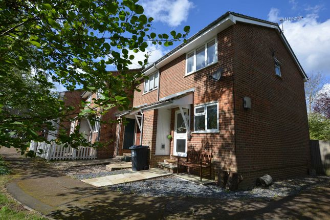 2 bed end terrace house to rent in Millstream Close, Hertford SG14