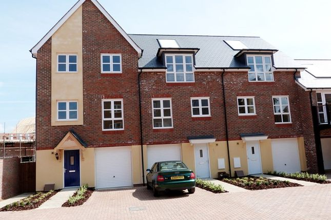 Thumbnail Town house to rent in Scaldwell Place, Aylesbury