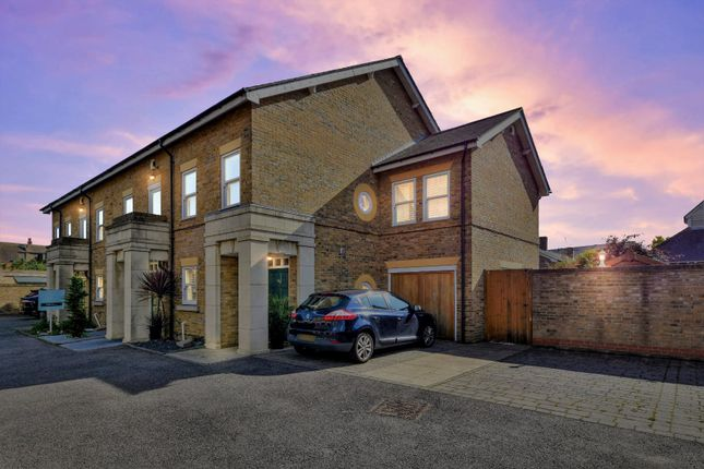 3 bed end terrace house for sale in Horseshoe Crescent, Shoeburyness, Essex SS3