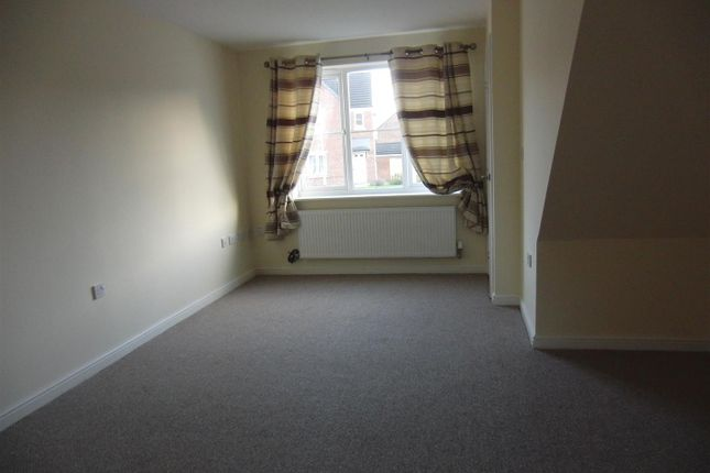 Thumbnail Semi-detached house to rent in Whinmoor Way, Leeds