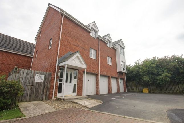 Flat for sale in Lyons Court, Gateshead