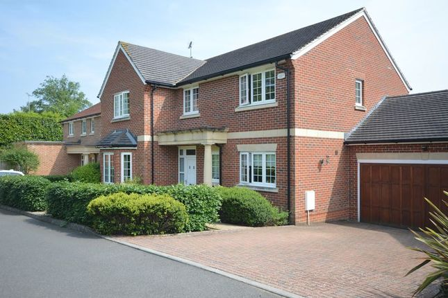 Thumbnail Detached house to rent in Howe Drive, Beaconsfield