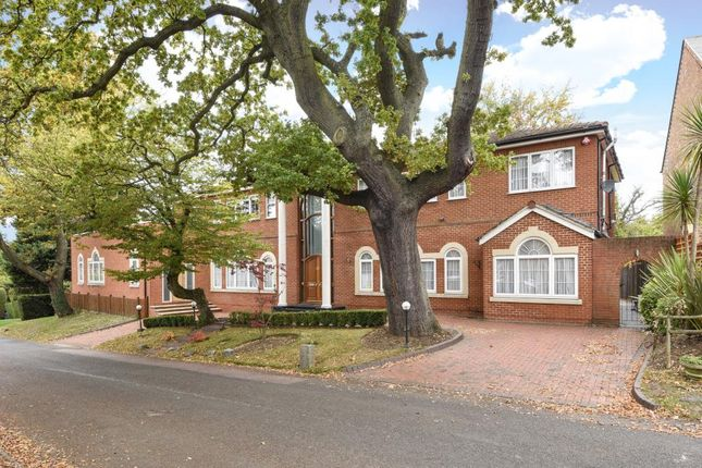 Thumbnail Detached house for sale in Crooked Usage, Finchley N3,