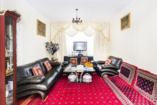Thumbnail Semi-detached house for sale in Ellesmere Avenue, Mill Hill, London