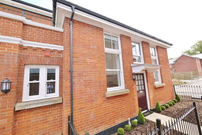 Thumbnail Property to rent in Kensington Way, Burntwood Square, Brentwood