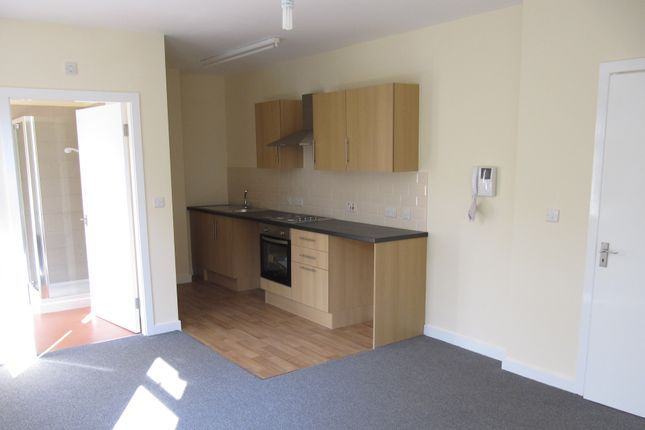 Studio to rent in Southey Avenue, Sheffield S5