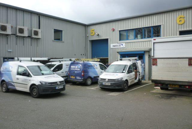 Thumbnail Warehouse to let in Brownfields, Welwyn Garden City