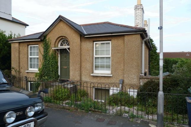 2 bed flat to rent in Monkton Street, Ryde