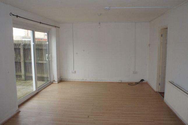 Thumbnail Flat to rent in Wingfield Close, Birmingham