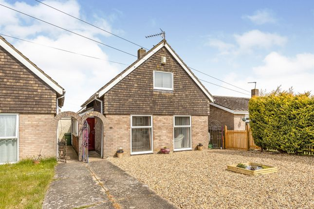 3 bed property for sale in St Marys Road, Long Stratton, Norwich NR15