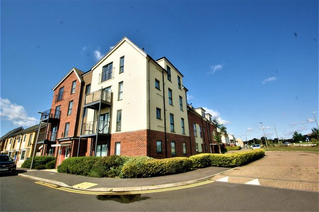 1 bed flat for sale in Meadow Drive, Aveley, South Ockendon RM15