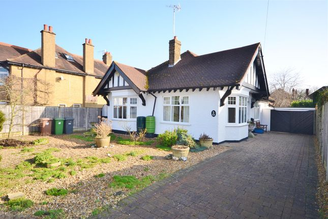 Thumbnail Property for sale in Avenue Rise, Bushey