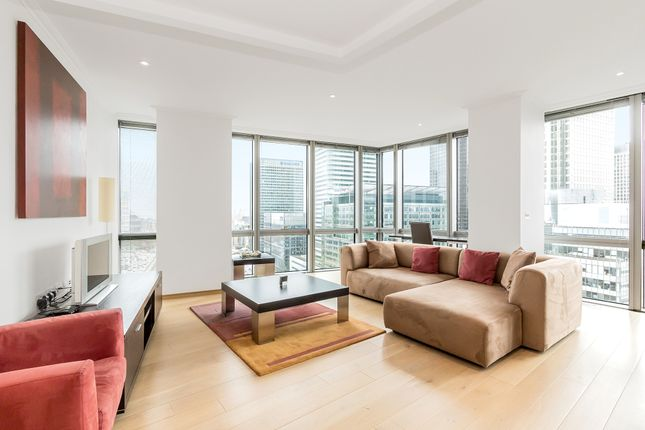 Thumbnail Flat to rent in 26 Hertsmere Road, London