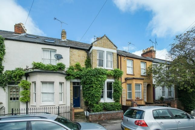 Thumbnail Terraced house for sale in Temple Street, Oxford