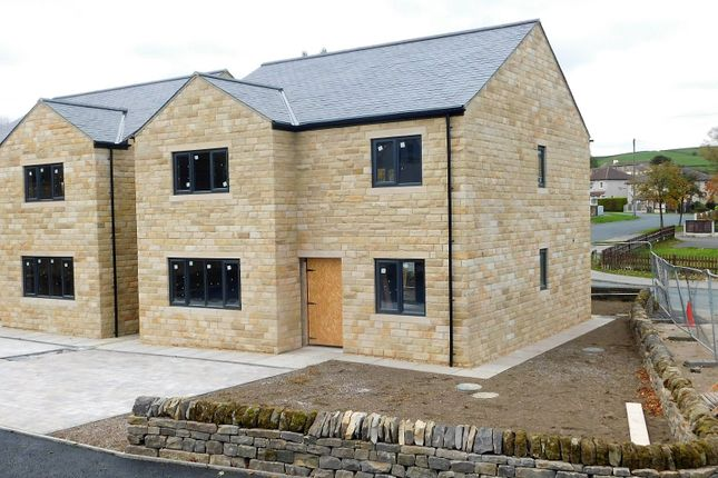 Thumbnail Detached house for sale in Pinnacle Court, Cottingley Road, Sandy Lane