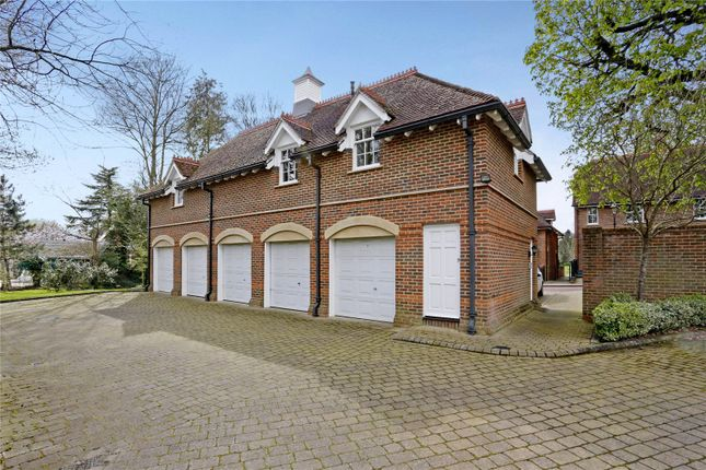 Thumbnail Flat for sale in Wethered Park, Marlow, Buckinghamshire