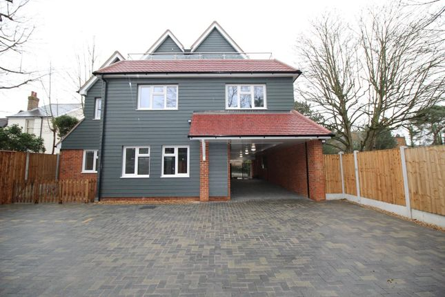 2 bed flat to rent in Woodward House, Stock Road, Billericay, Essex CM12