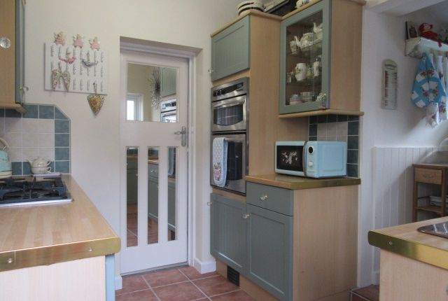 Thumbnail Cottage to rent in Cray Lodge, St Mary Cray