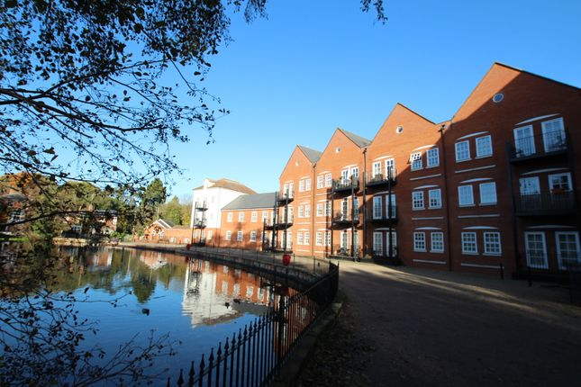 Thumbnail Flat for sale in Waterside Lane, Colchester