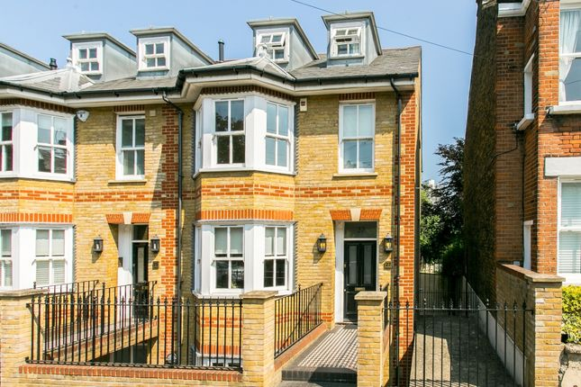 Thumbnail Property to rent in Iveley Road, London