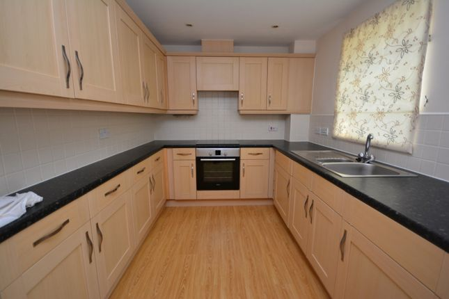 2 bed flat to rent in Sherbourne Court, Wychwood Village CW2