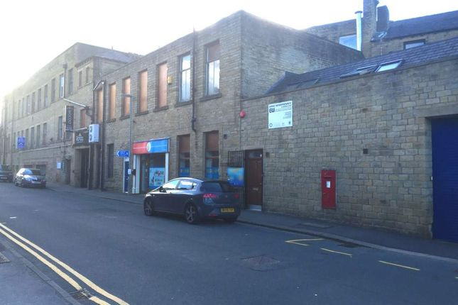 Commercial property for sale in Huddersfield HD7, UK