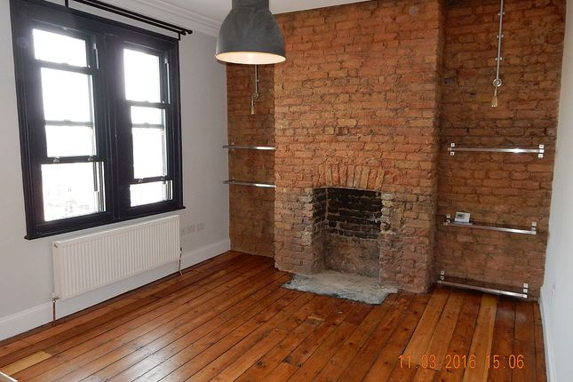Thumbnail Flat to rent in Mosslea Road SE20, London,