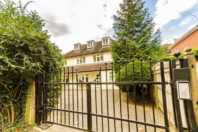 Thumbnail Detached house to rent in Traps Lane, Coombe