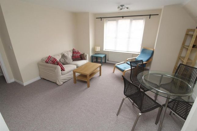 Thumbnail Flat to rent in Signet Square, Coventry