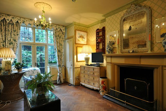 Reception of Petyt Place, Chelsea SW3