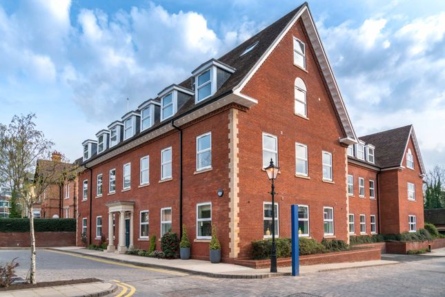 Thumbnail Flat for sale in Homer Road, Solihull, West Midlands