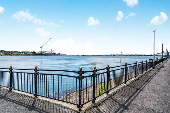 Thumbnail Flat for sale in Pacific Close, Ocean Village Marina, Southampton
