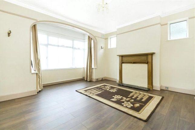Thumbnail Flat to rent in Heathdene Road, Streatham, London