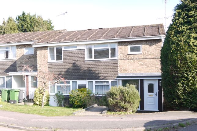 Thumbnail Maisonette to rent in Martins Close, Alton