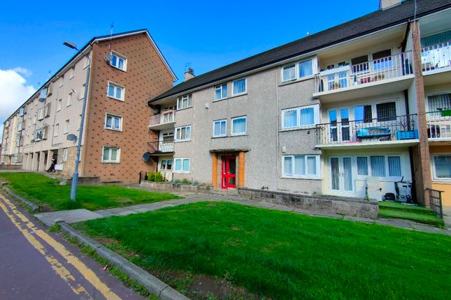 2 bed flat to rent in Sir Michael Place, Paisley, Renfrewshire PA1