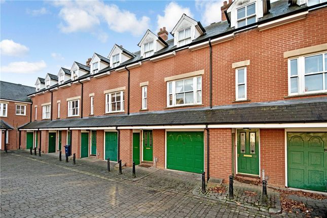 Terraced house for sale in Ravensworth Gardens, Cambridge