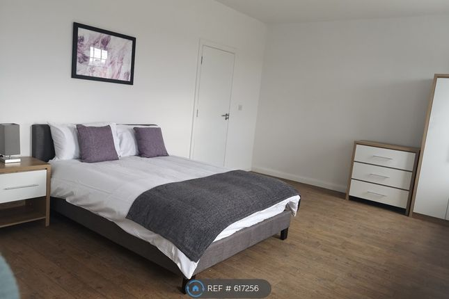Thumbnail Room to rent in River Street, Gillingham