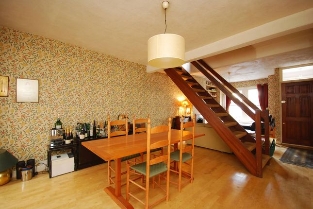 Thumbnail Cottage for sale in Linkfield Road, Isleworth