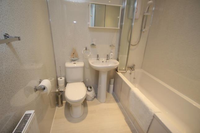 Bathroom of Grey Place, Greenock, Inverclyde PA15