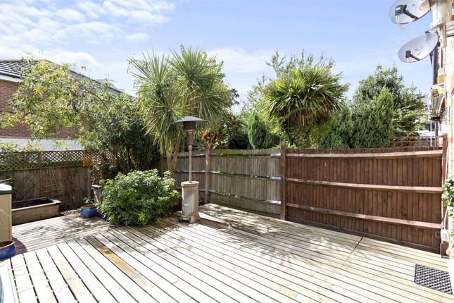 Thumbnail Terraced house to rent in Basevi Way, Greenwich, London