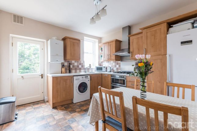 2 bed flat for sale in Overhill Road, East Dulwich