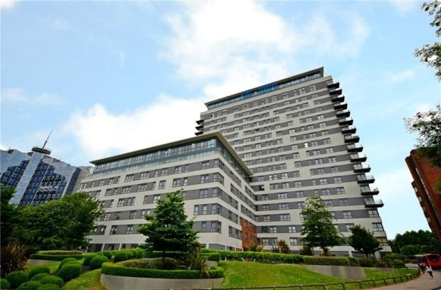 Thumbnail Flat for sale in Skyline Plaza, Alencon Link, Basingstoke