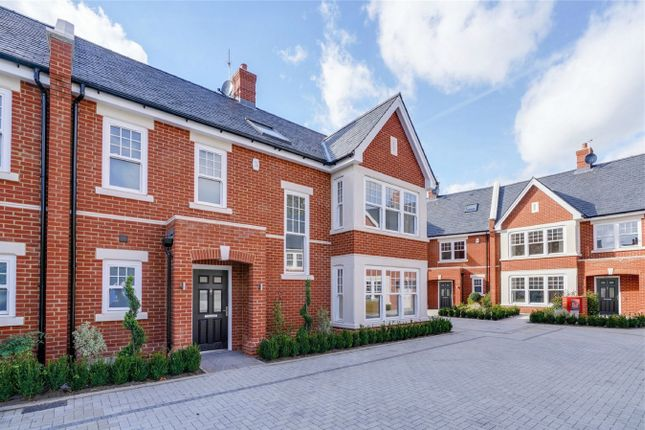 Thumbnail Semi-detached house for sale in Hideaway Mews, Thorney Hedge Road, Chiswick