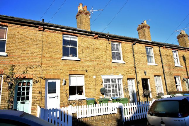 Thumbnail Terraced house to rent in Alexandra Road, Thames Ditton