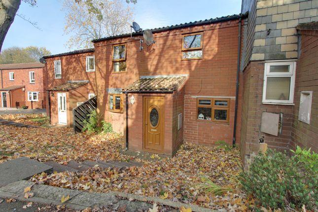 Terraced house in  Trefoil  Amington  Tamworth  Birmingham