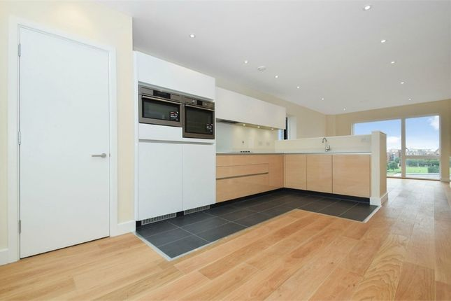 Thumbnail Flat to rent in Landmann Point, 6 Peartree Way, North Greenwich, London