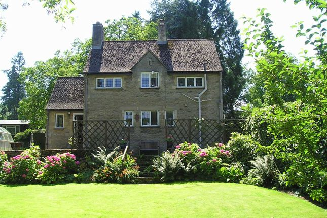 3 bed detached house for sale in London Road, Cheltenham