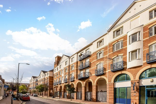 Thumbnail Studio to rent in King & Queen Wharf, Rotherhithe Street, London