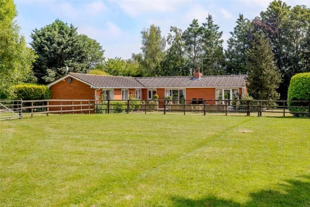 Thumbnail Detached bungalow for sale in Swallow Hill, Thurlby, Bourne